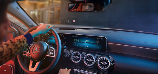 Mercedes-Benz A-klasa Head-up display
